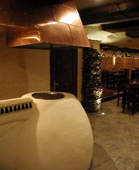 Все чаще можно встретить тандыр в ресторанах, где готовят удивительные блюда среднеазиатской кухни