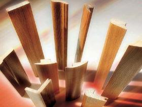 современные напольные и потолочные плинтусы делают под различные породы дерева