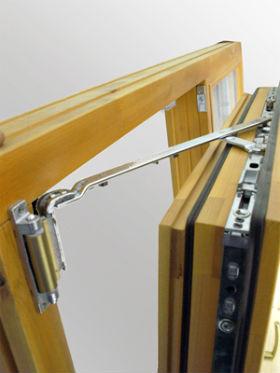 окно с откидным механизмом