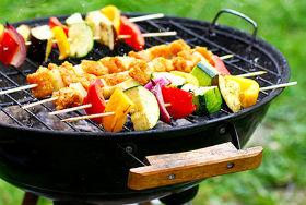 для приготовления подойдут мясо, рыба, грибы, овощи и даже фрукты