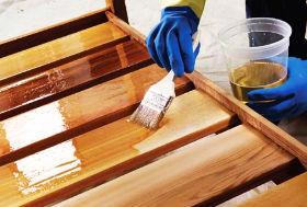 лак - лучшее чем можно красить лестницу из дерева