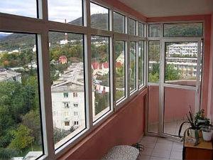 балконная дверь или как ее еще называют балконный блок улучшает тепло и звуко изоляцию