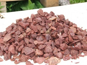 Материалы для изготовления каминов - малиновый кварцит
