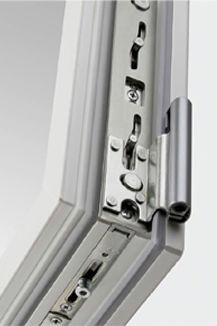 для надежной работы пластикового окна выбирайте качественную фурнитуру