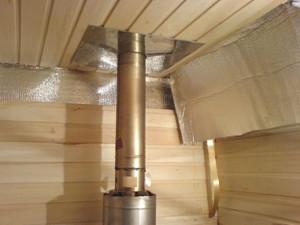 Вариант установки стального дымохода