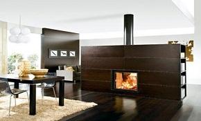 Хотите разграничить пространство в доме? Купите двусторонний камин!